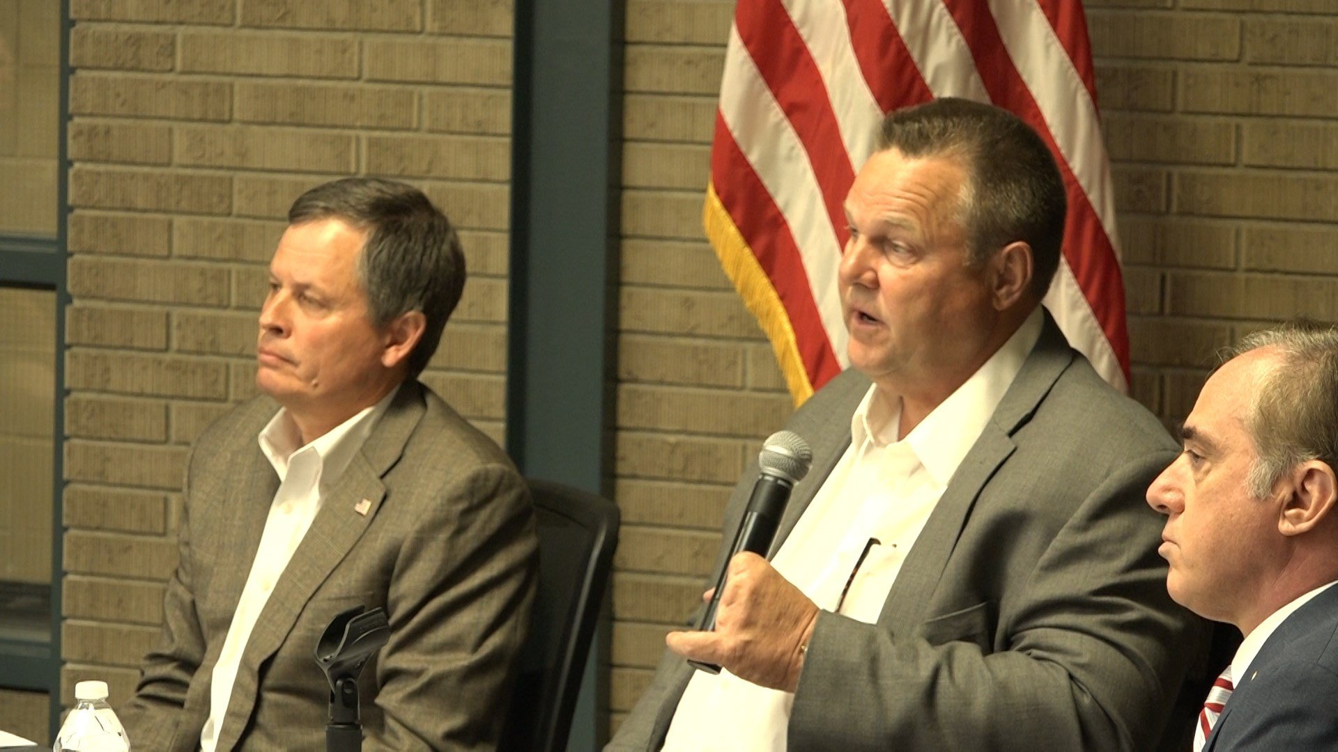 U.S. VA Secretary David Shulkin (right) at a public forum in Helena with Sens. Daines and Tester (center)