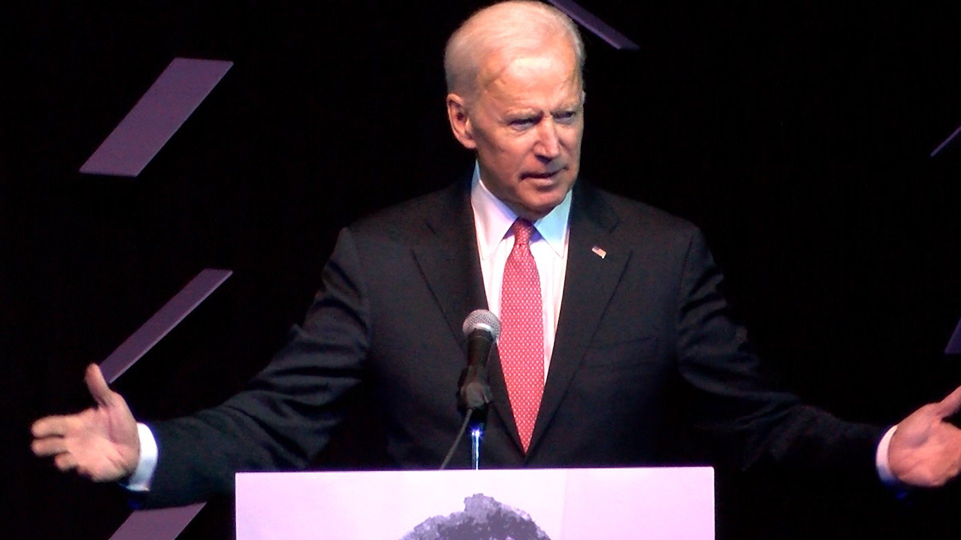 Photo of Joe Biden talking with homeless man goes viral""